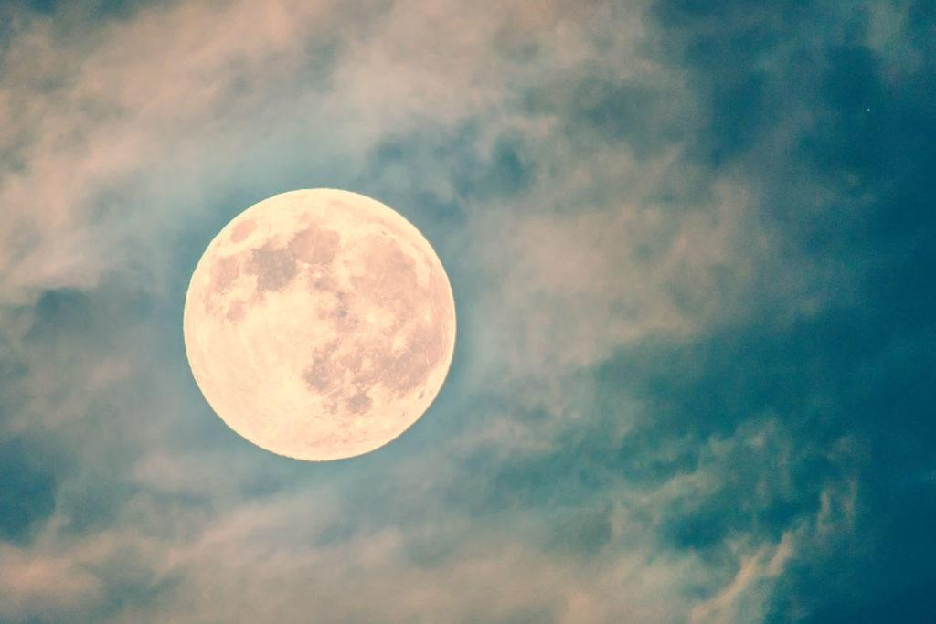 Четвертый лунный день фото 4